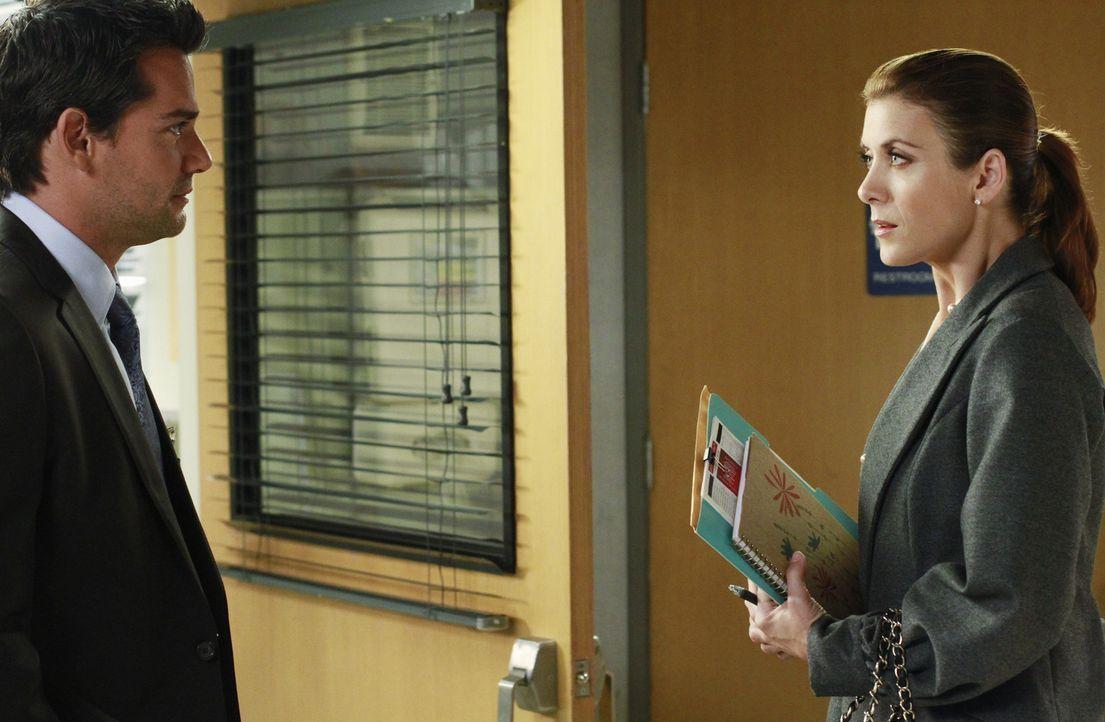 Dr. Rodriguez (Cristián de la Fuente, l.) hat es auf Addison (Kate Walsh, r.) abgesehen, die ist jedoch mit Bizzys und Susans Hochzeit beschäftigt... - Bildquelle: ABC Studios