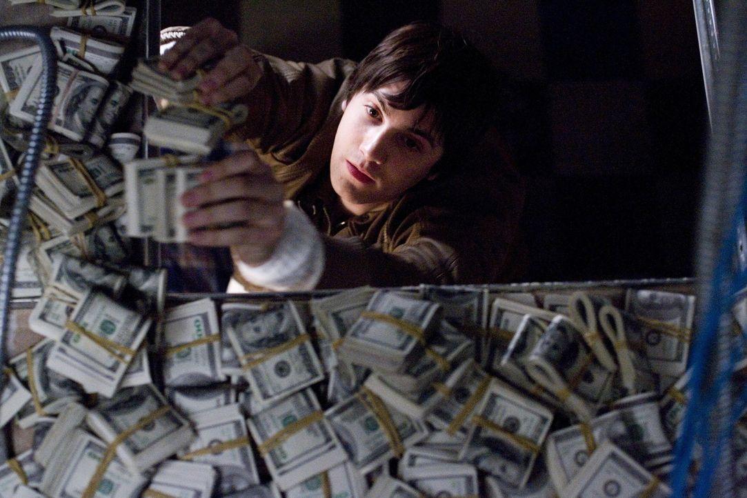 Zunächst gelint es Ben (Jim Sturgess) und seinen vier Mitstreitern, die Casinos von Las Vegas um Millionen zu erleichtern. Doch dann geraten die au... - Bildquelle: CPT Holdings, Inc. All Rights Reserved.