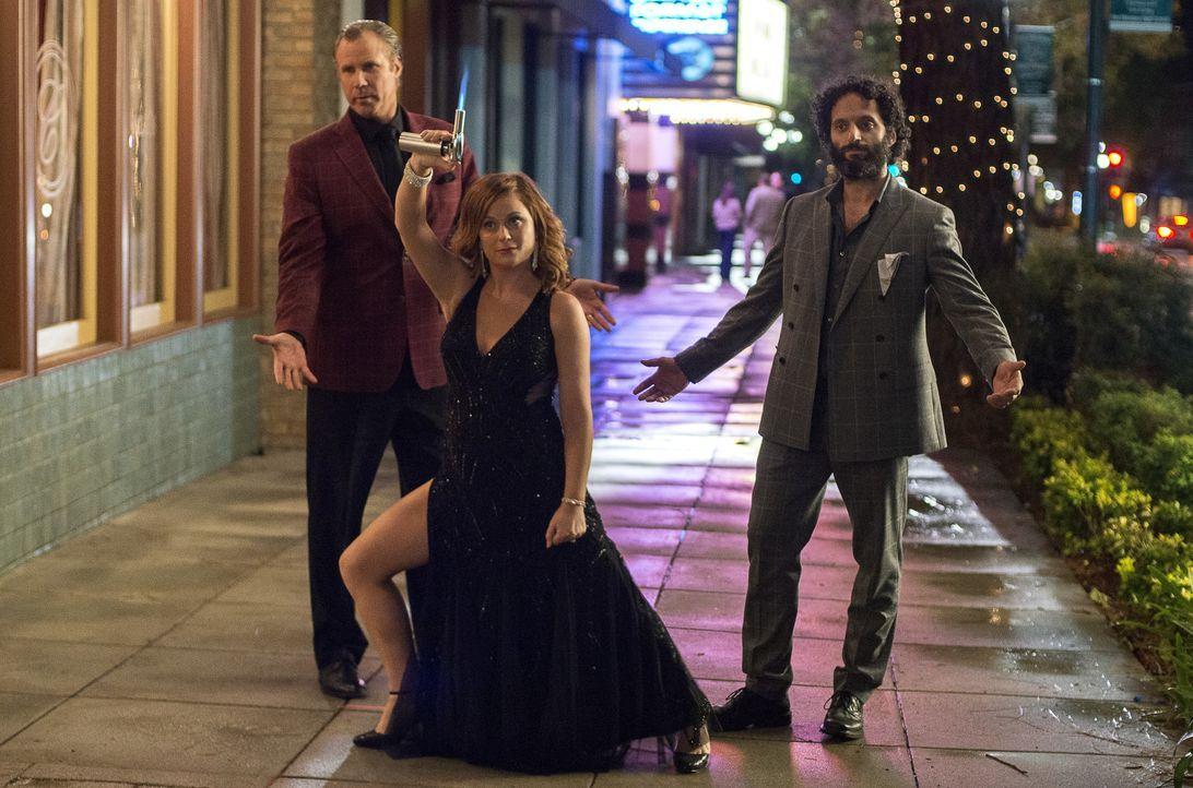 (v.l.n.r.) Scott Johansen (Will Ferrell); Kate Johansen (Amy Poehler); Frank (Jason Mantzoukas) - Bildquelle: Warner Bros.