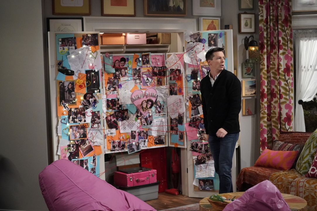 Macht in der Wohnung der verrückten Nachbarin Val eine erschreckende Entdeckung: Jack (Sean Hayes) ... - Bildquelle: Chris Haston 2017 NBCUniversal Media, LLC