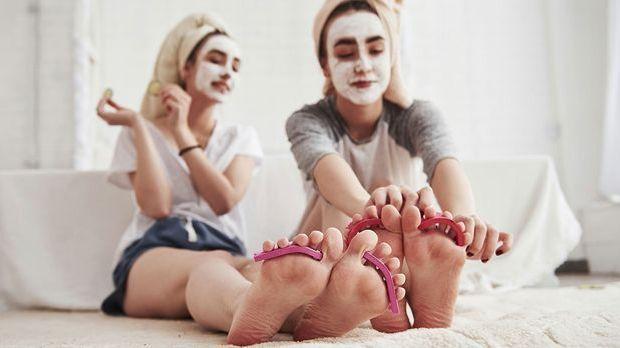 Die Fußpflege-Routine macht zu zweit gleich doppelt so viel Spaß! Worauf Ihr...