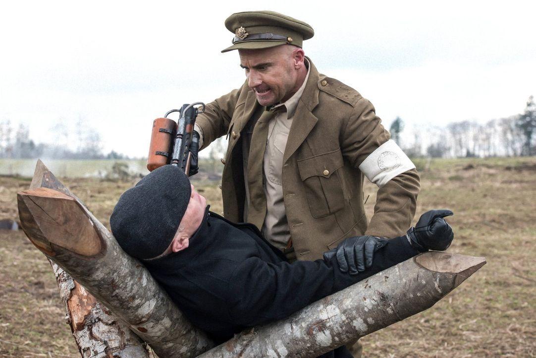 Kann Mick (Dominic Purcell, r.) Damien Darhk (Neal McDonough, l.) endlich zur Strecke bringen oder wird er selber dem Tod ins Auge blicken müssen? - Bildquelle: Warner Brothers