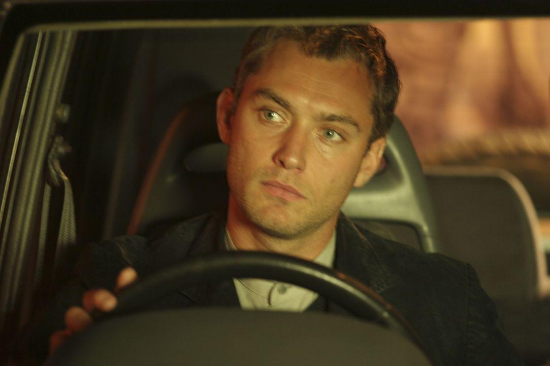 Als mehrmals in das Büro von Will Francis (Jude Law) eingebrochen wird, macht er sich auf einige Faust auf die Suche nach den Dieben. Dabei lernt e... - Bildquelle: Miramax Films.  All Rights Reserved.