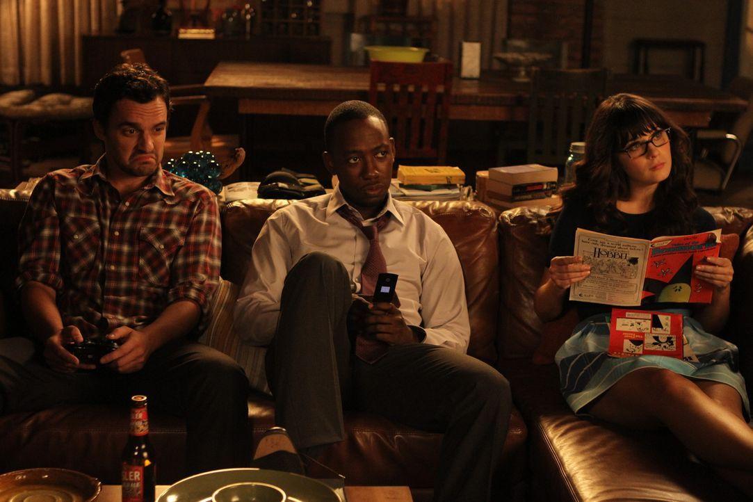 Ein normaler WG-Abend: Nick (Jake M. Johnson, l.), Winston (Lamorne Morris, M.) und Jess (Zooey Deschanel, r.) ... - Bildquelle: 20th Century Fox