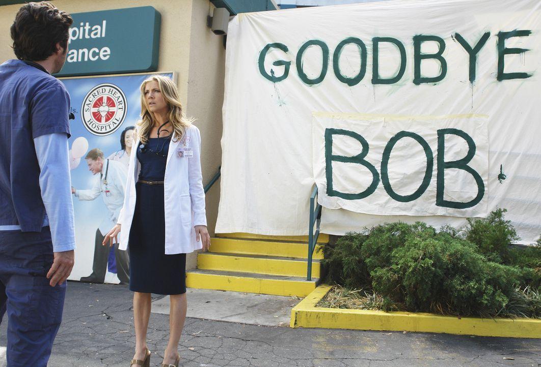 J.D.s (Zach Braff, l.) letzter Tag im Sacred Heart Krankenhaus ist angebrochen. Er hat einen neuen Job angenommen, um in der Nähe von seinem Sohn z... - Bildquelle: Touchstone Television
