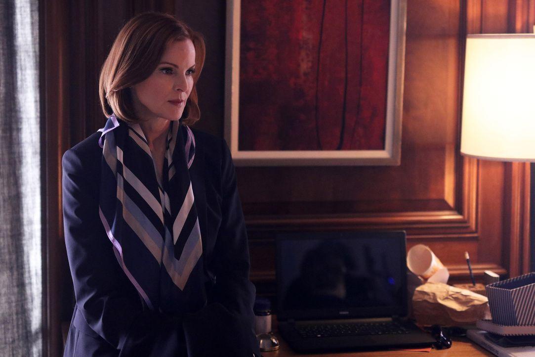 Alex kontaktiert Claire Haas (Marcia Cross), um ihre verschwundenen Freunde zu finden. Sie ist geschockt, als sie erfährt, was mit Caleb passiert is... - Bildquelle: Bertrand Calmeau 2015 ABC Studios