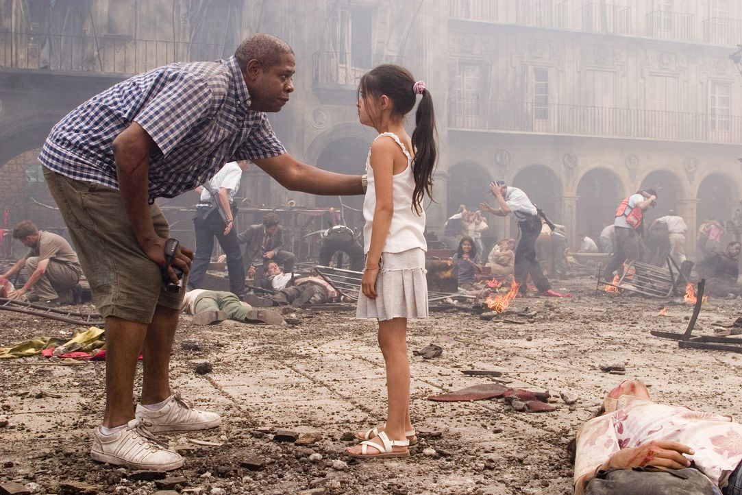 Mitten im Chaos befindet sich der amerikanische Tourist Howard Lewis (Forest Whitaker), der die entscheidenden Minuten der Attentate mit seiner Digi... - Bildquelle: 2008 Columbia Pictures Industries, Inc. and GH Three LLC. All Rights Reserved.