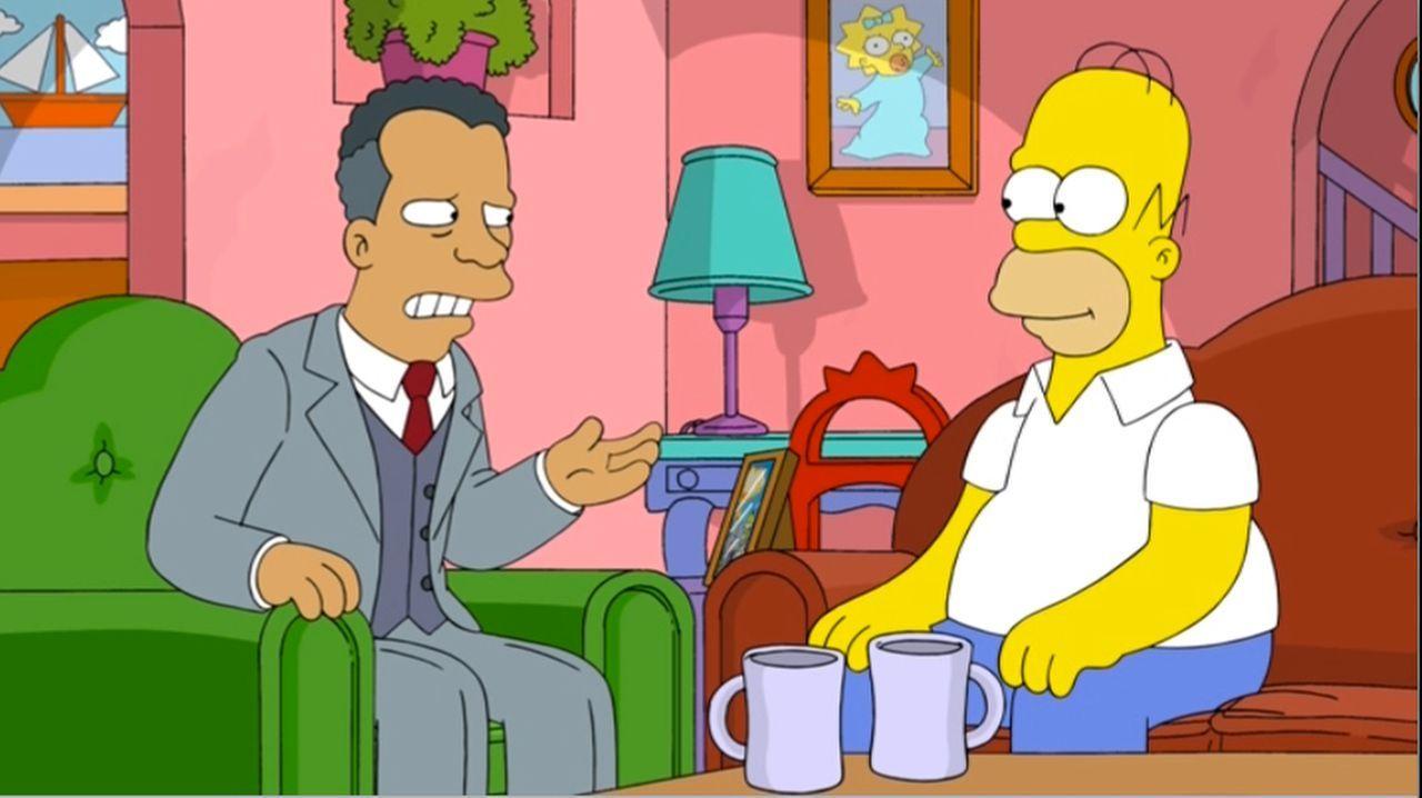 Als der Executive Vice President des Weltfußballverbandes in Springfield auftaucht, ahnt Homer noch nicht, was für ein tolles Angebot er ihm machen... - Bildquelle: 2013 Twentieth Century Fox Film Corporation. All rights reserved.