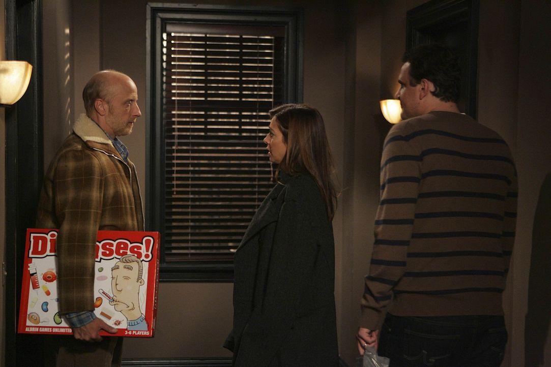 Lily (Alyson Hannigan, M.) und Marshall (Jason Segel, r.) feiern zum ersten Mal in ihrer eigenen Wohnung Thanksgiving. Dazu laden sie ihre Freunde e... - Bildquelle: 20th Century Fox International Television