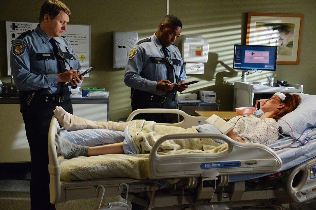 Nach dem Diebstahl ihres Autos ist die Patientin Melissa (Meg Chambers, r.) obdachlos. Kann die Polizei den Dieb und den Wagen auftreiben? - Bildquelle: ABC Studios