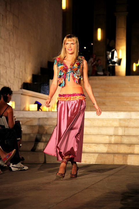 germanys-next-topmodel-stf07-epi09-fashionshow-019-prosiebenjpg 1333 x 2000 - Bildquelle: ProSieben