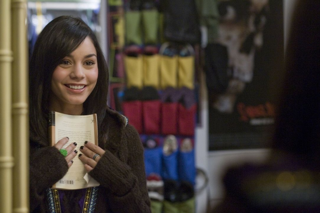 Weiß genau, was sie will: die schüchterne Sa5m (Vanessa Hudgens) ... - Bildquelle: Van Redin 2009 SUMMIT ENTERTAINMENT, LLC and WALDEN MEDIA, LLC ALL RIGHTS RESERVED.