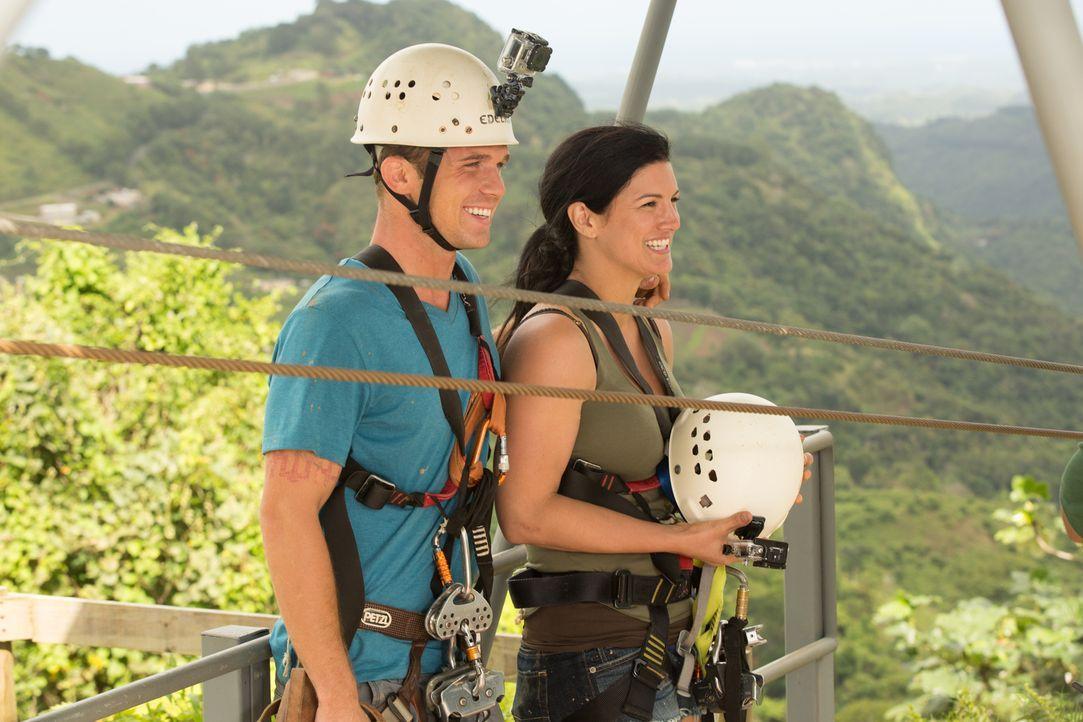 Noch im siebten Himmel: Ava (Gina Carano, r.) und Derek (Cam Gigandet, l.) ahnen nicht, dass sie bald in Lebensgefahr schweben werden ... - Bildquelle: Francisco Roman ITB Productions, Inc.