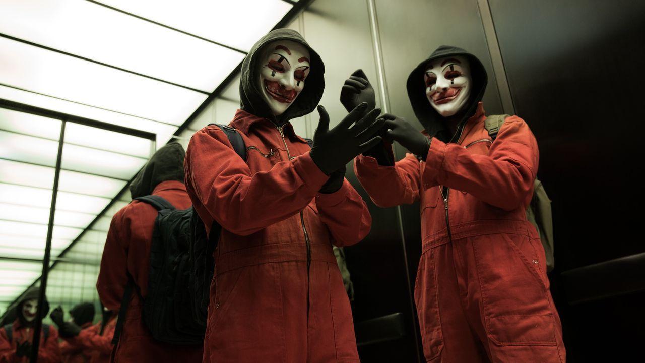 Vier Computerfreaks gründen gemeinsam das Hacker-Kollektiv CLAY (Clowns Laughing At You), mit dem sie die Aufmerksamkeit der Netzgemeinde auf sich z... - Bildquelle: Jan Rasmus Voss Wiedemann & Berg Film