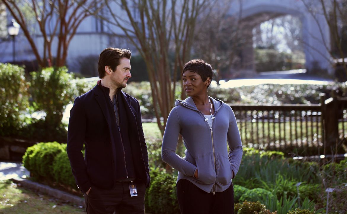 Clark Richards (Vincent Piazza, l.); Dr. Major Nichole Sykes (Caroline Chikezie, r.) - Bildquelle: Eliza Morse 2019 Fox and its related entities. All rights reserved. / Eliza Morse