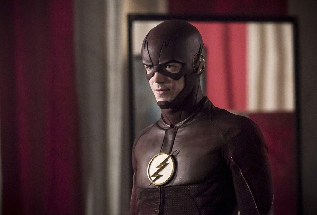 Während Barry alias The Flash (Grant Gustin) einen alten Feind von Snart jagen muss, machen sich Caitlin, Cisco und Harry auf die Suche nach einem D... - Bildquelle: 2016 Warner Bros.