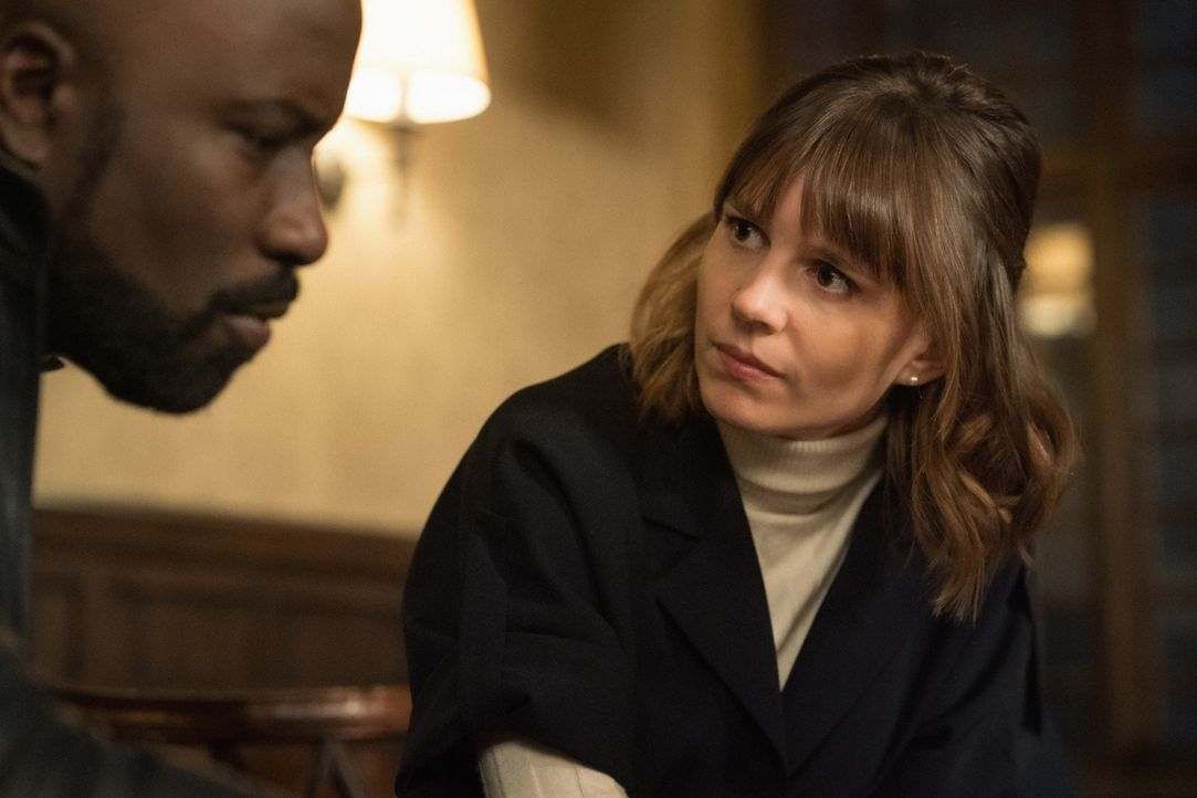 David Acosta (Mike Colter, l.); Kristen Bouchard (Katja Herbers, r.) - Bildquelle: Elizabeth Fisher 2019 CBS Broadcasting, Inc. All Rights Reserved / Elizabeth Fisher