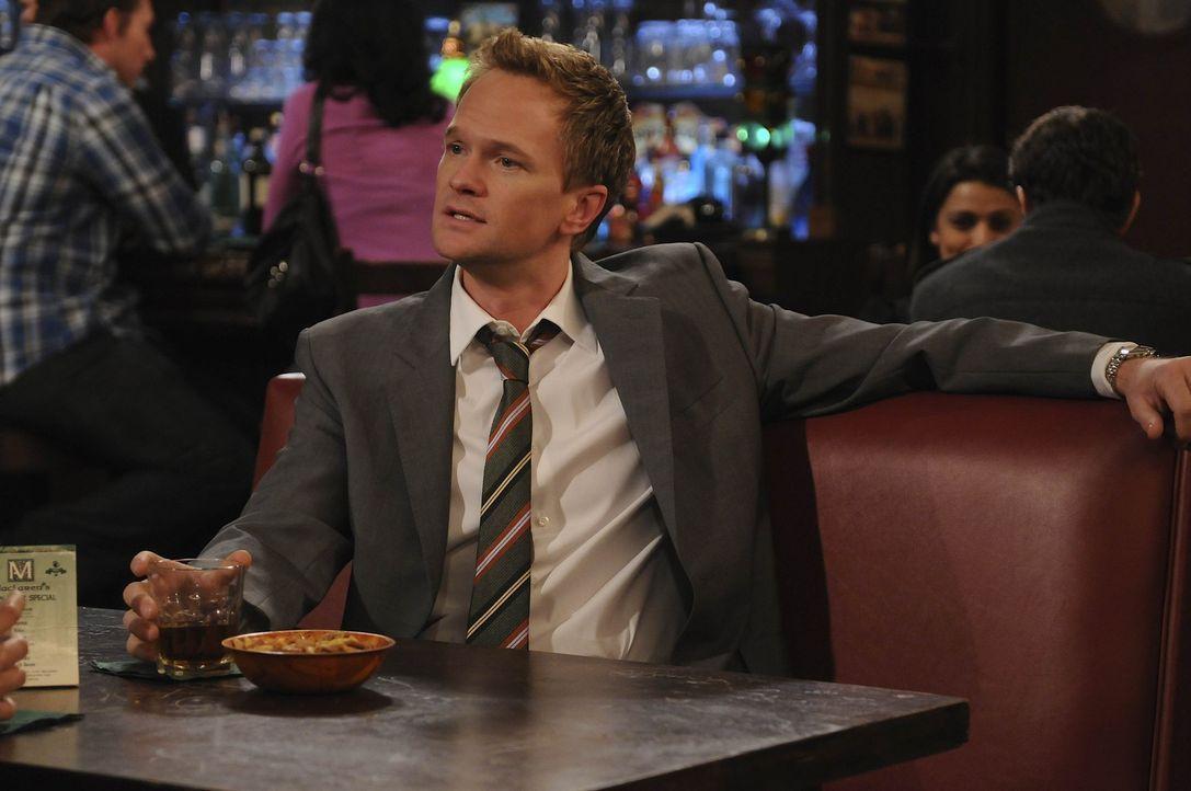 Als Barney (Neil Patrick Harris) Tiffany mit eigenen Augen sieht, weiß er warum Ted an ihrem Haken hängt ... - Bildquelle: 20th Century Fox International Television