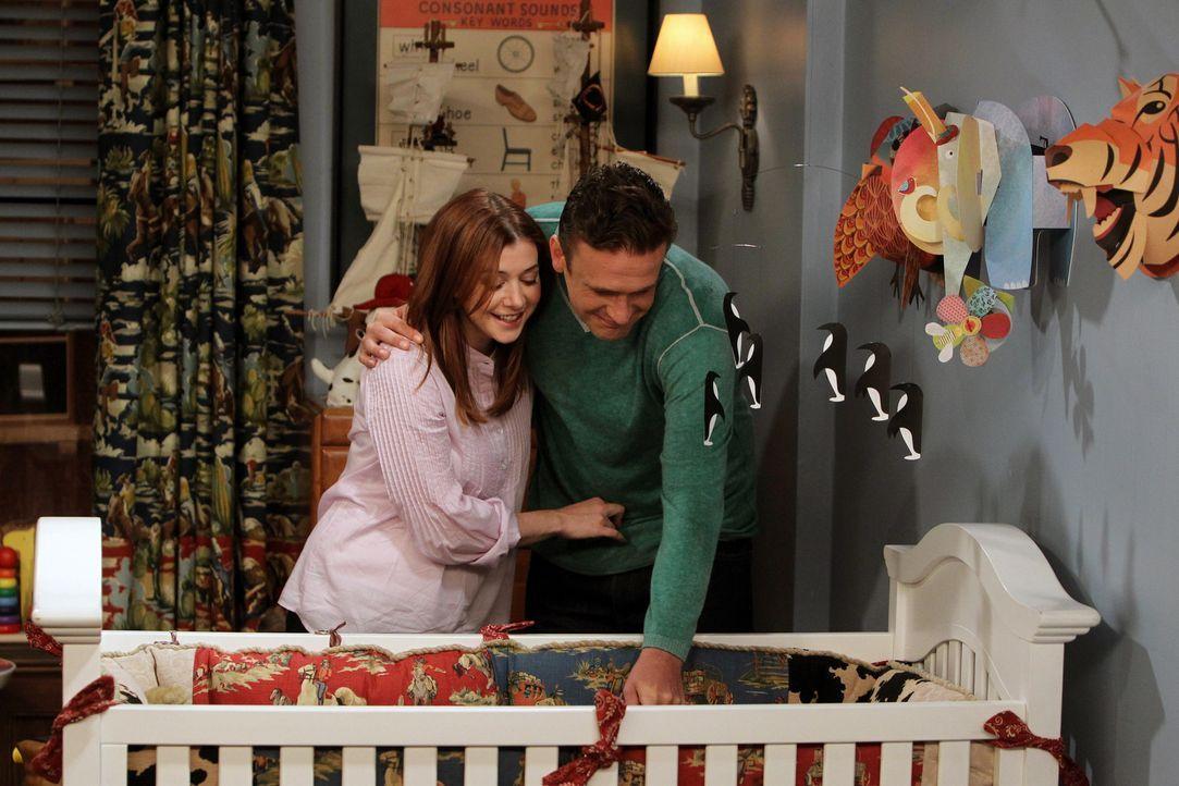 Stolze Eltern: Lily (Alyson Hannigan, l.) und Marshall (Jason Segel, r.) ... - Bildquelle: 20th Century Fox International Television