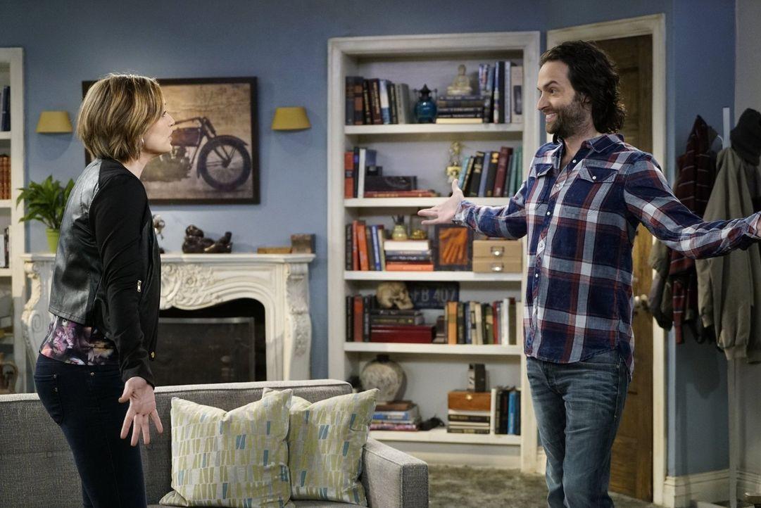 Mike will Leslie (Bianca Kajlish, l.) einen Heiratsantrag machen. Er hat die Barmannschaft gebeten, ihn dabei zu unterstützen, doch Danny (Chris D'E... - Bildquelle: Warner Brothers