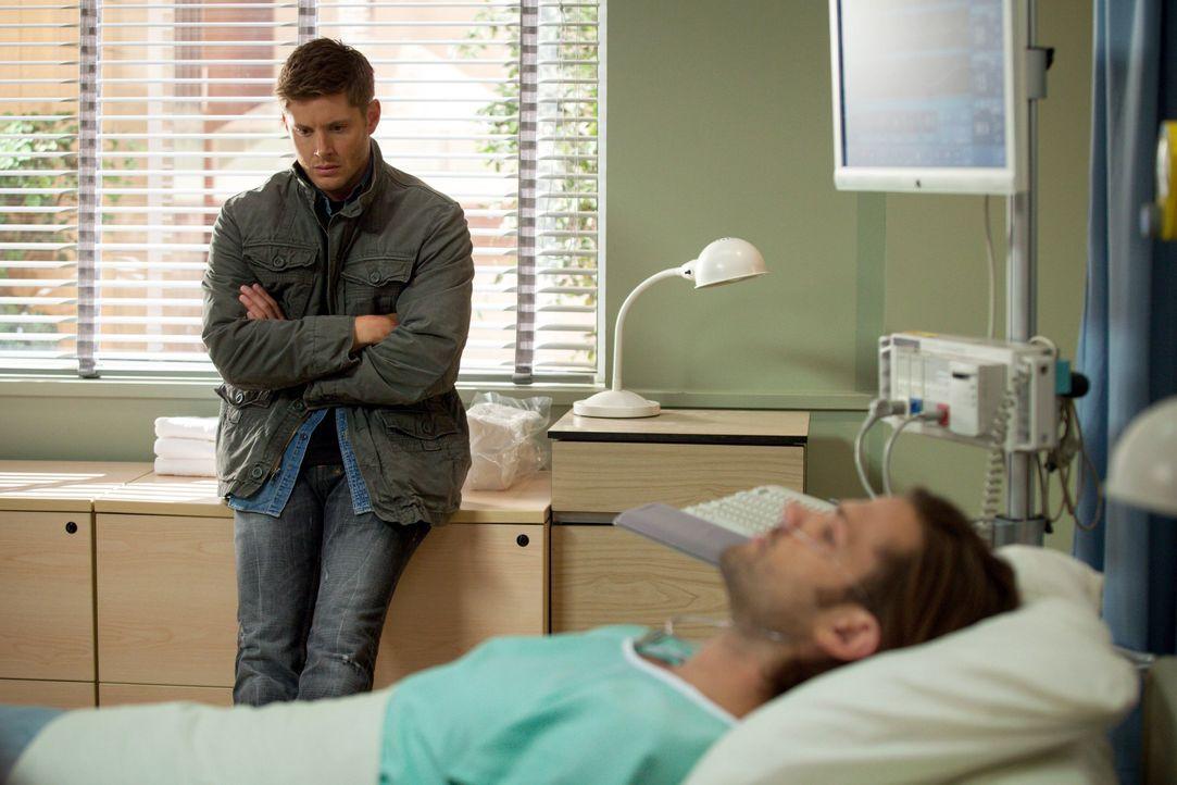 In seiner Verzweiflung betet Dean (Jensen Ackles, l.) zu den Engeln, aber können diese Sam (Jared Padalecki, r.) überhaupt noch retten? - Bildquelle: 2013 Warner Brothers