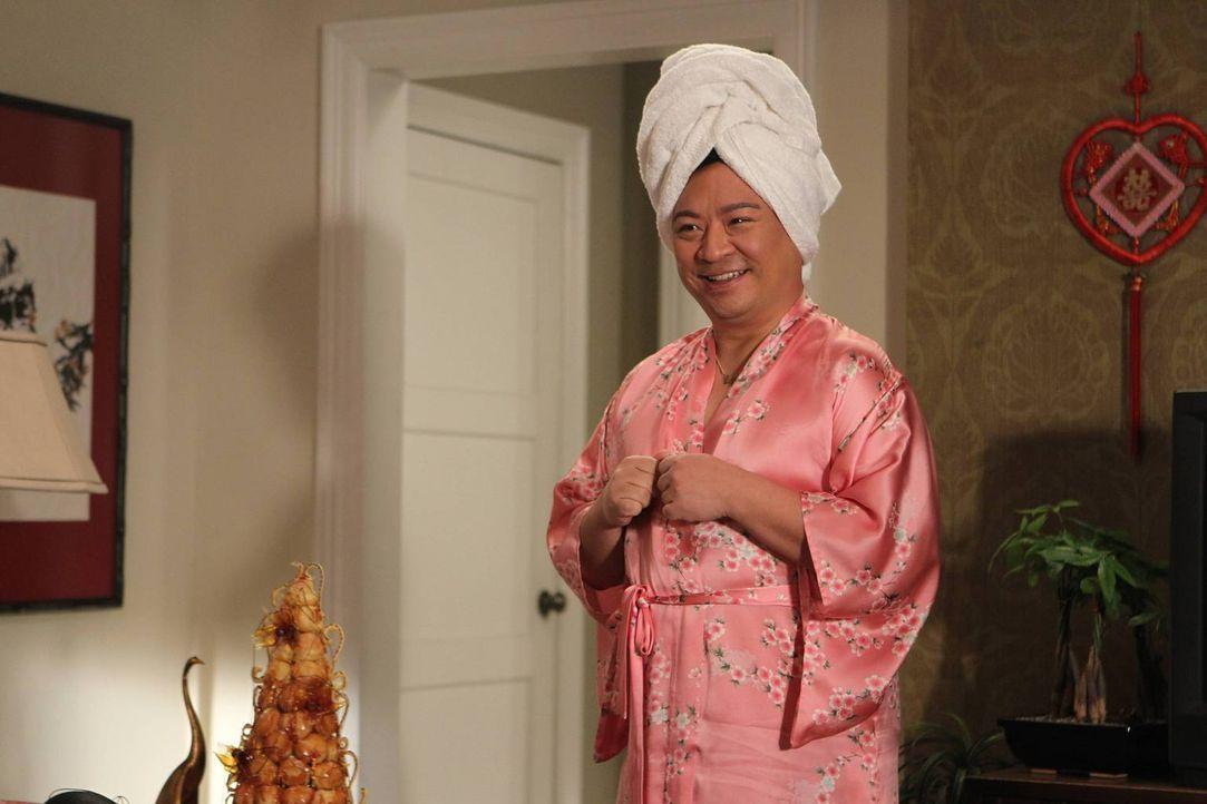 Oscar Chow (Rex Lee) ist zu Besuch bei den Huangs. Doch wird dies zu Problemen bei Louis und Jessica führen? - Bildquelle: John Fleenor 2015 American Broadcasting Companies. All rights reserved.