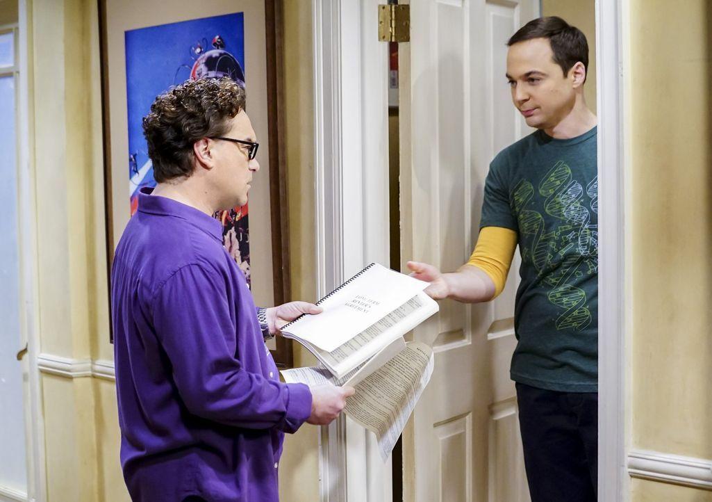 Sheldon (Jim Parsons, r.) will sich in sein altes Zimmer einmieten, um dort in Ruhe arbeiten zu können, doch mit seinen Marotten bringt er Leonard (... - Bildquelle: Warner Bros. Television