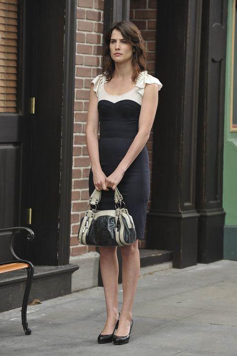 Ist traurig, als sie Barney mit Nora sieht: Robin (Cobie Smulders) ... - Bildquelle: 20th Century Fox International Television