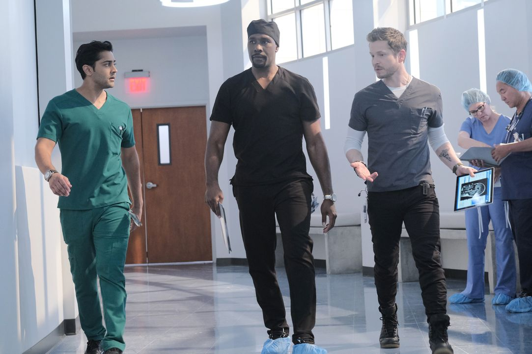(v.l.n.r.) Dr. Devon Pravesh (Manish Dayal); Dr. Barrett Cain (Morris Chestnut); Dr. Conrad Hawkins (Matt Czuchry) - Bildquelle: Guy D'Alema 2019-2020 Twentieth Century Fox Film Corporation.  All rights reserved. / Guy D'Alema
