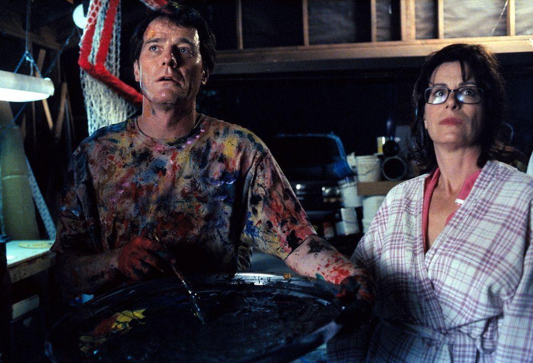 Hal (Bryan Cranston, l.) und Lois (Jane Kaczmarek, r.) betrachten ergriffen Hals Gemälde. - Bildquelle: TM +   2000 Twentieth Century Fox Film Corporation. All Rights Reserved.