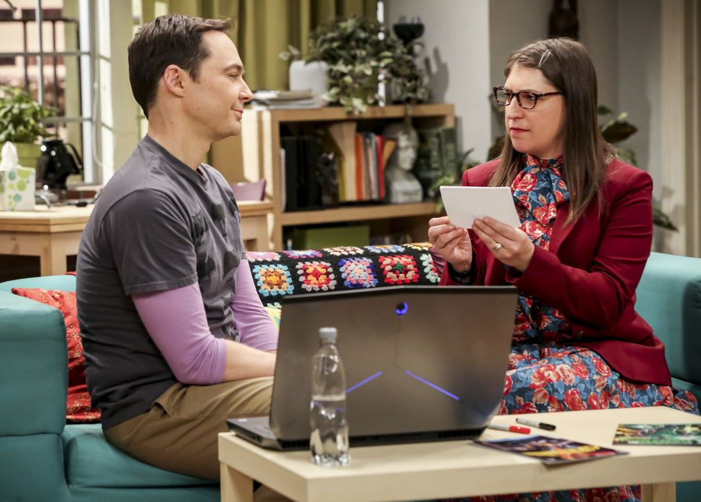 Sheldon (Jim Parsons, l.); Amy (Mayim Bialik, r.) - Bildquelle: Michael Yarish 2018 WBEI. All rights reserved./Michael Yarish