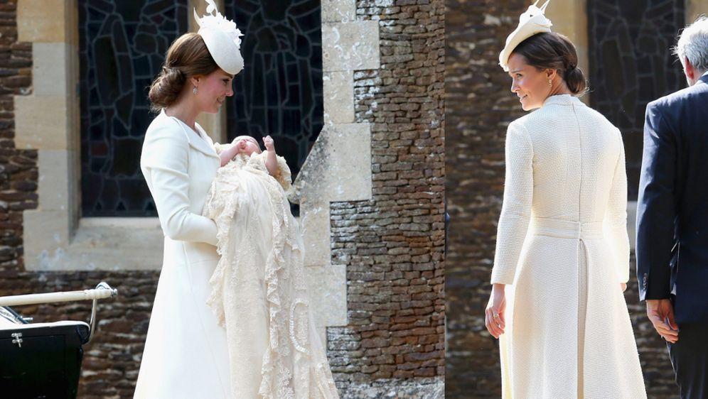 Kate Middleton Und Pippa Middleton Im Gleichen Look Zur