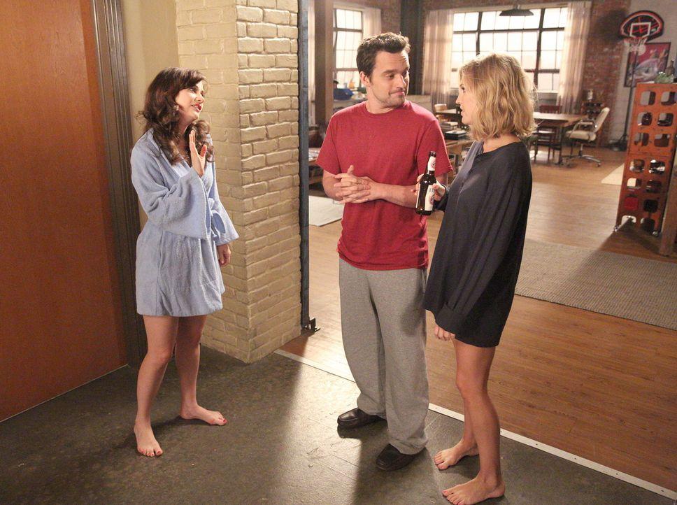 Ausgerechnet als Jess (Zooey Deschanel, l.) Nick (Jake Johnson, M.) bittet, vor ihrem neuen Freund schwul zu spielen, trifft dieser die ganz besonde... - Bildquelle: 2014 Twentieth Century Fox Film Corporation. All rights reserved.