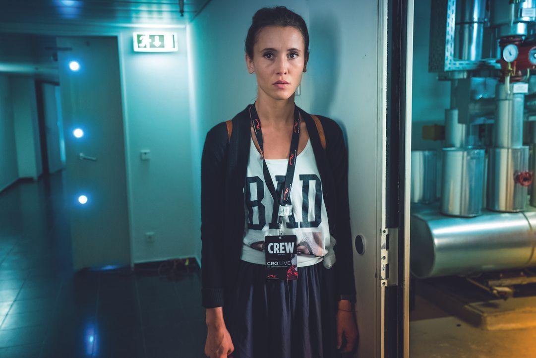 Vanessa (Peri Baumeister) - Bildquelle: Nik Konietzny 2016 Mr. Brown Entertainment Filmproduktion GmbH / Chimperator Films GmbH /Barefoot Films GmbH/ Warner Bros. Entertainment GmbH. All rights reserved / Nik Konietzny