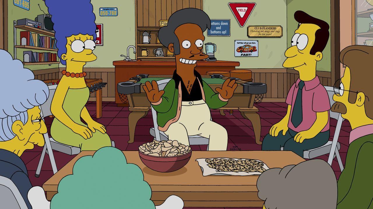 Die einzige Möglichkeit, die Kirche zu retten, ist Glücksspiel: (v.l.n.r.) Mrs. Skinner, Marge, Apu und Pfarrer Lovejoy ... - Bildquelle: 2014 Twentieth Century Fox Film Corporation. All rights reserved.