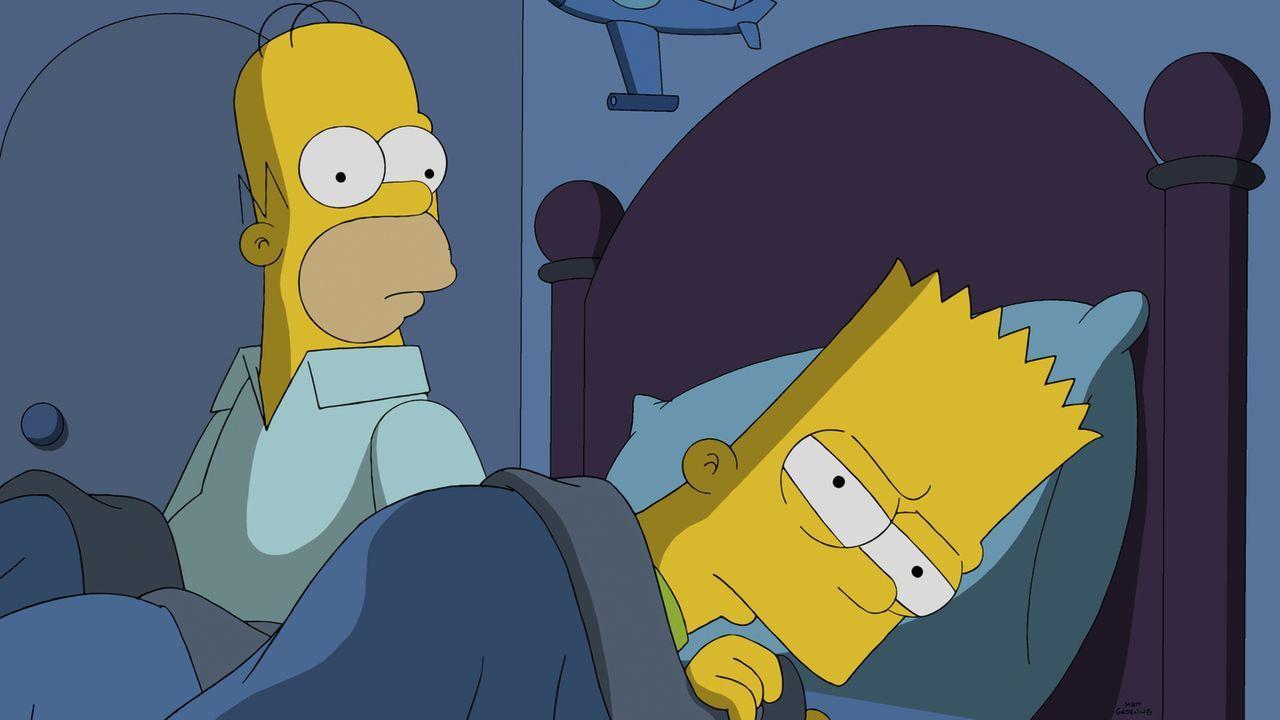 Durch die Hypnose sagt Homer (l.) Dinge zu seinem Sohn Bart (r.), die er eigentlich nicht hören möchte ... - Bildquelle: 2014 Twentieth Century Fox Film Corporation. All rights reserved.