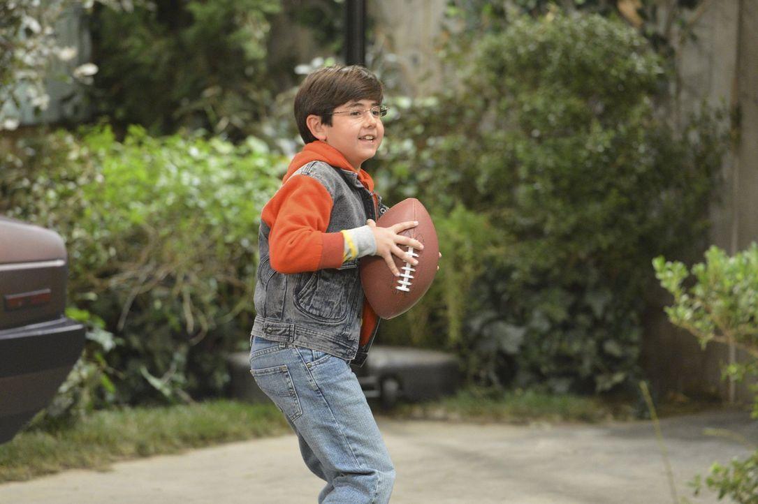 Auch für Roscoe (Blake Garrett Rosenthal) beginnt ein neuer Lebensabschnitt, als er seinen Großvater kennenlernt ... - Bildquelle: Warner Brothers Entertainment Inc.