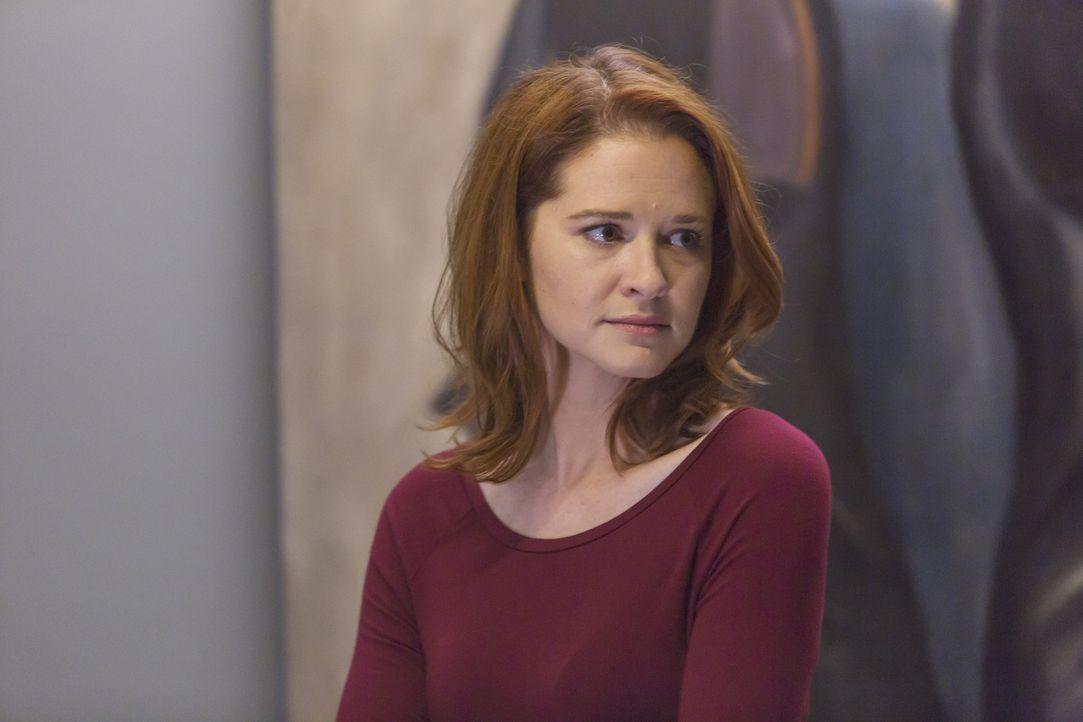 Während Meredith darüber nachdenkt, sich wieder auf Dates einzulassen, gerät April (Sarah Drew) wegen ihrer verheimlichten Schwangerschaft mit Jacks... - Bildquelle: Ron Batzdorff ABC Studios