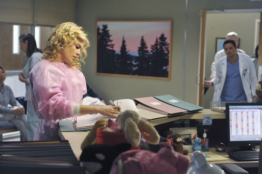 Dr. Lucy Fields (Rachel Taylor, l.) lernt Alex (Justin Chambers, r.) von seiner guten Seite kennen ... - Bildquelle: ABC Studios