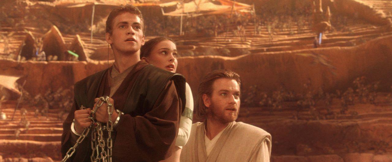 Im Visier des Bösen: (v.l.n.r.) Anakin (Hayden Christensen), Amidala (Natalie Portman) und Obi-Wan Kenobi (Ewan McGregor) ... - Bildquelle: Lucasfilm Ltd. & TM. All Rights Reserved.