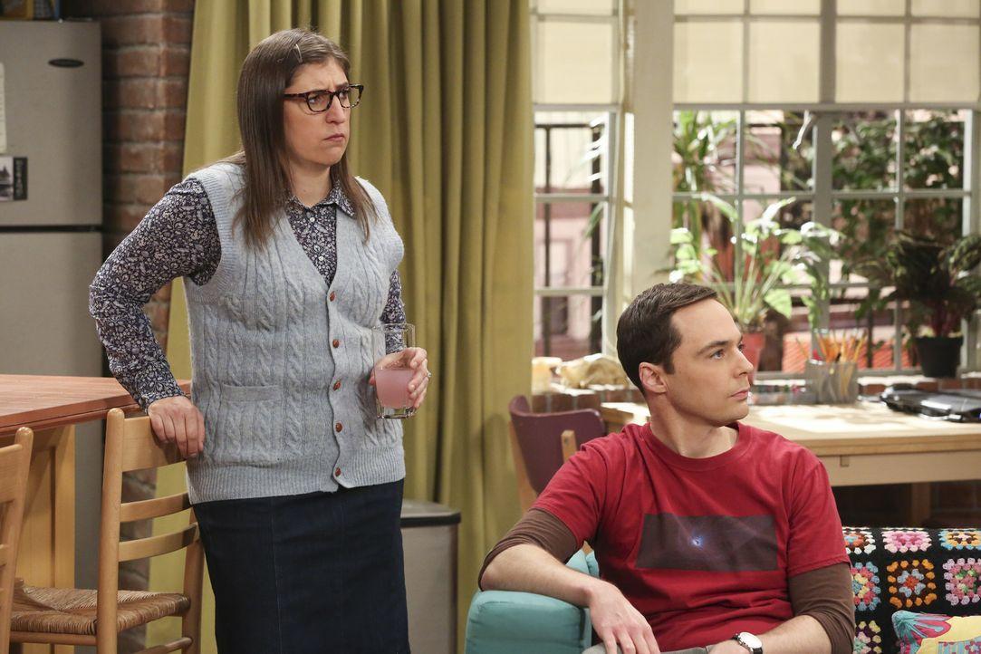 Wie werden Amy (Mayim Bialik, l.) und Sheldon (Jim Parsons, r.) reagieren, wenn ein alter Feind ihnen ihre Hochzeitslocation wegschnappt? - Bildquelle: Warner Bros. Television