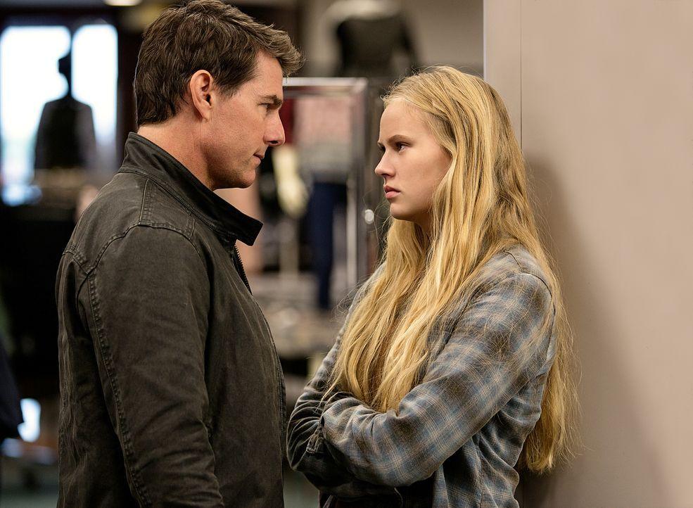 Verbindet Jack Reacher (Tom Cruise, l.) und Samantha (Danika Yarosh, r.) mehr als sie zunächst ahnen? - Bildquelle: Chiabella James 2016 PARAMOUNT PICTURES.  ALL RIGHTS RESERVED.