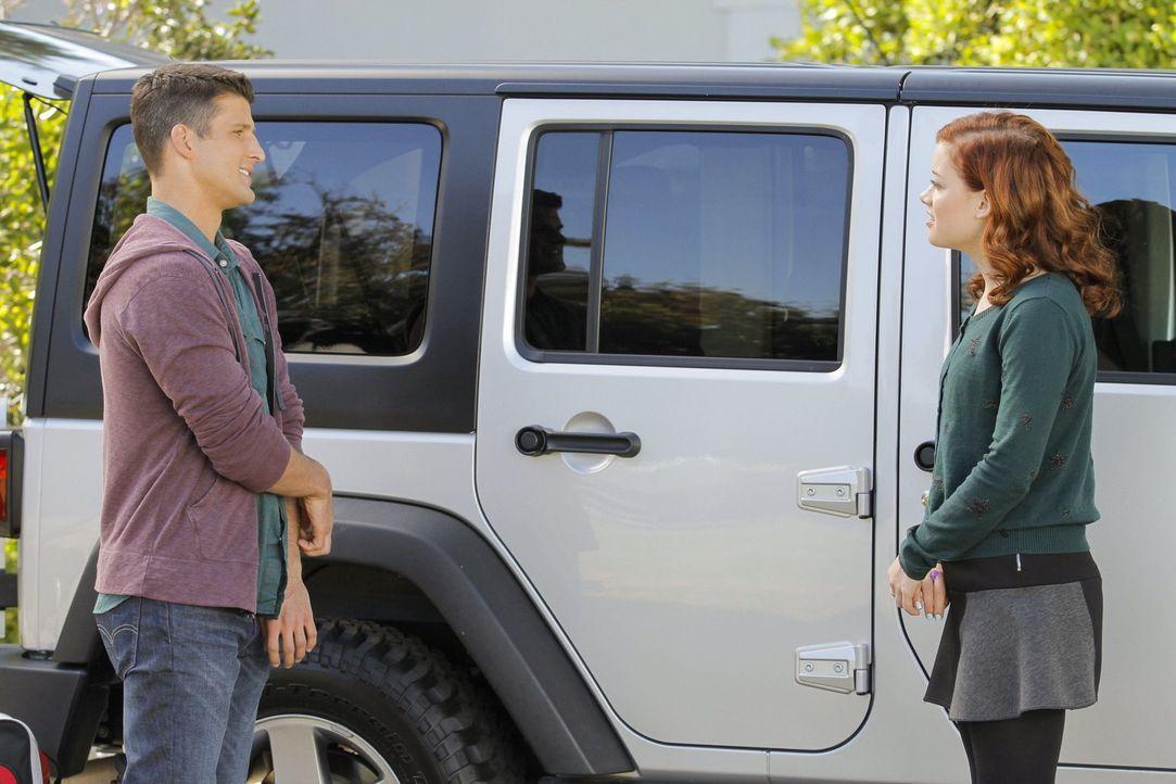 Seit Ryan (Parker Young, l.) wieder in Chatswin ist, macht Tessa (Jane Levy, r.) sich neue Hoffnungen: Sie kann ihn einfach nicht vergessen und wüns... - Bildquelle: Warner Brothers