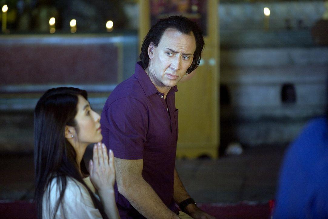 Als sich der abgebrühte Profikiller Joe (Nicolas Cage, r.) in Bangkok in eine taubstumme Apothekengehilfin (Charlie Yeung, l.) verliebt, wird aus d...